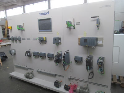 La collaborazione tra Fantoni e Siemens porta la fabbrica in classe