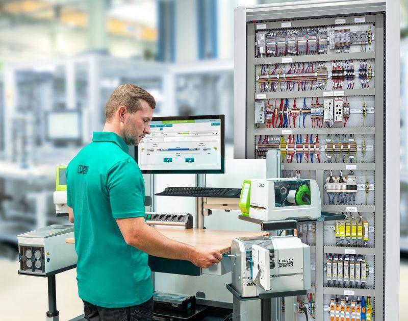 Sistema di assistenza per un'efficiente lavorazione dei conduttori
