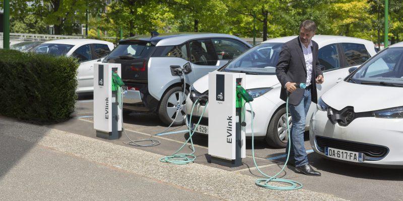 Schneider Electric: nel 2030 il 100% della flotta aziendale avrà veicoli elettrici