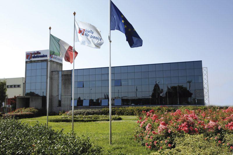 La gamma di inverter Riello Solartech dedicati al settore residenziale