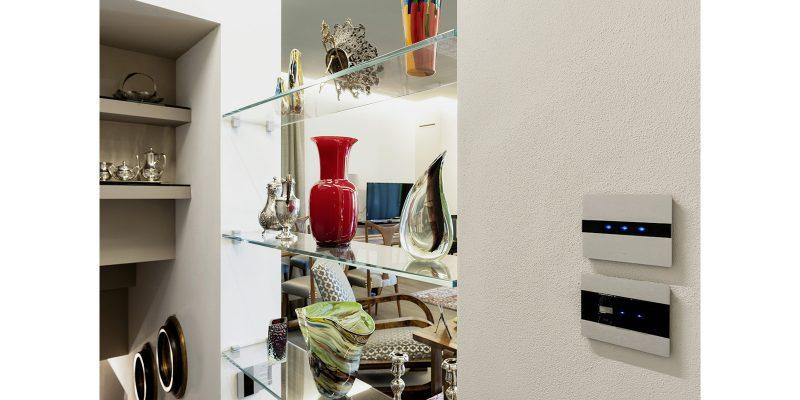 Il design razionale di AVE per un'elegante casa di Villafranca