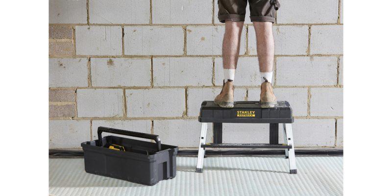 """Cassetta porta utensili 26"""" Fatmax: sgabello e scala in un'unica soluzione"""