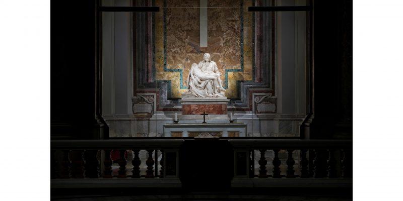La Pietà di Michelangelo illuminata da iGuzzini